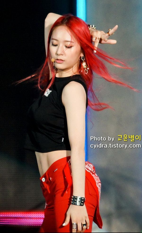 34 best images about F(x) Krystal's abs on Pinterest F(x) Krystal Abs