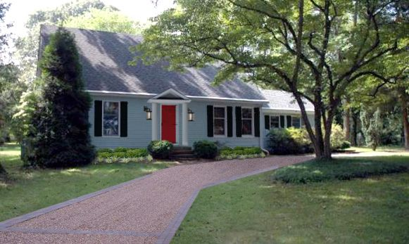 Best 25 blue house exteriors ideas on pinterest blue for Miller exterior paint