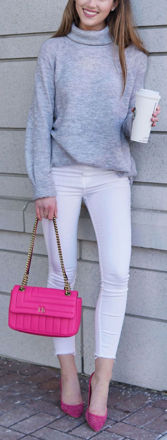 OMG OBSESSED WITH THAT BAG! // Fashion blogger Marie Ernst of Marie's Bazaar styles an easy and affordable outfit for spring. Featured is a grey turtleneck dress from H&M, skinny white jeans from Topshop, pink pumps from Zara, and a hot pink crossbody Gucci dupe from Henri Bendel. #fashion #blogger #blog #spring #outfit #look #crossbody #designerbagdupe #skinnyjeans #whitejeans #sweaterdress