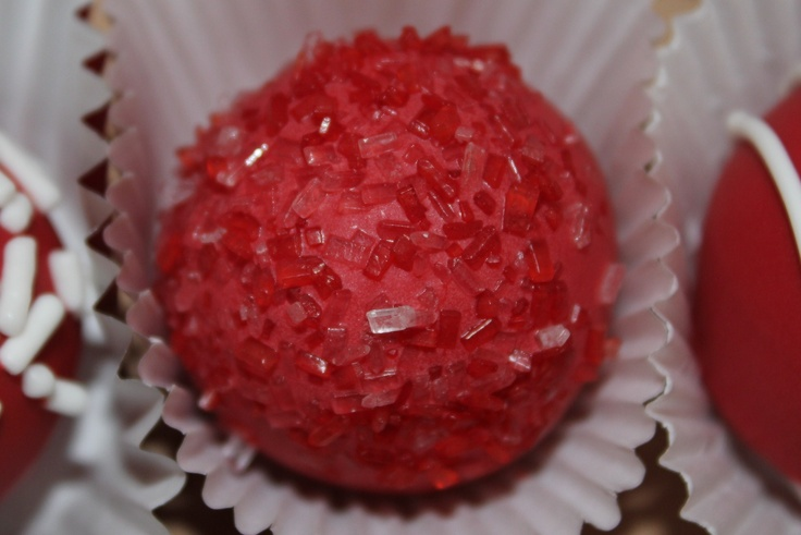 red and white cake balls: Cakes Pop, Pretty Cakes, Cake Ball, White Cakes, Cakes Ball