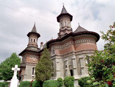"""Biserica """"Adormirea Maicii Domnului"""" - Precista (1930-1947), Piatra Neamț, arh. R. Bolomei și F. Drodz"""