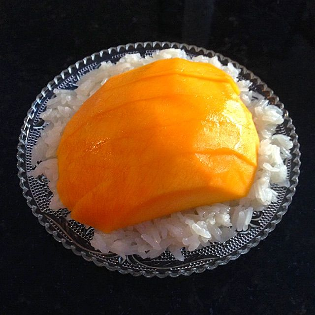 Thai Sticky Rice with Mango Dessert Recipe - coasterkitchen - Dayre