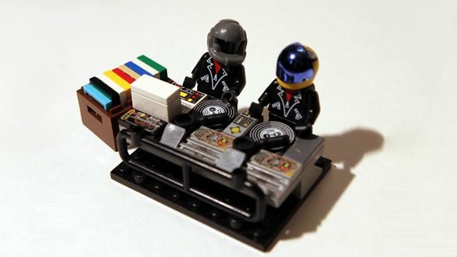 Update: Less than 4,500 signatures are needed for Daft Punk Legos to become a reality! http://btprt.dj/1BhJ9Kw