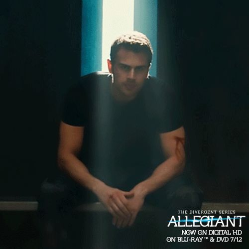 Theo looks so derpy in this GIF...