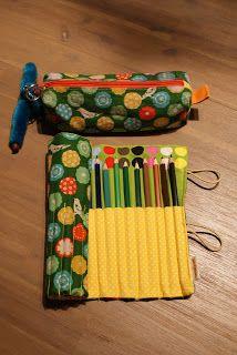 Terug naar school... Met een nieuw vrolijk, stoer, lief, bloemtjes, polka dot.....DIY potloodrol, etui en/of zwemtas.
