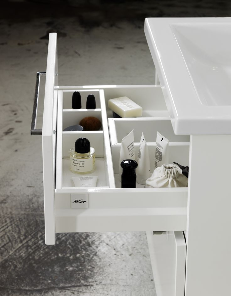 Bathroom storage - Miller drawer detail