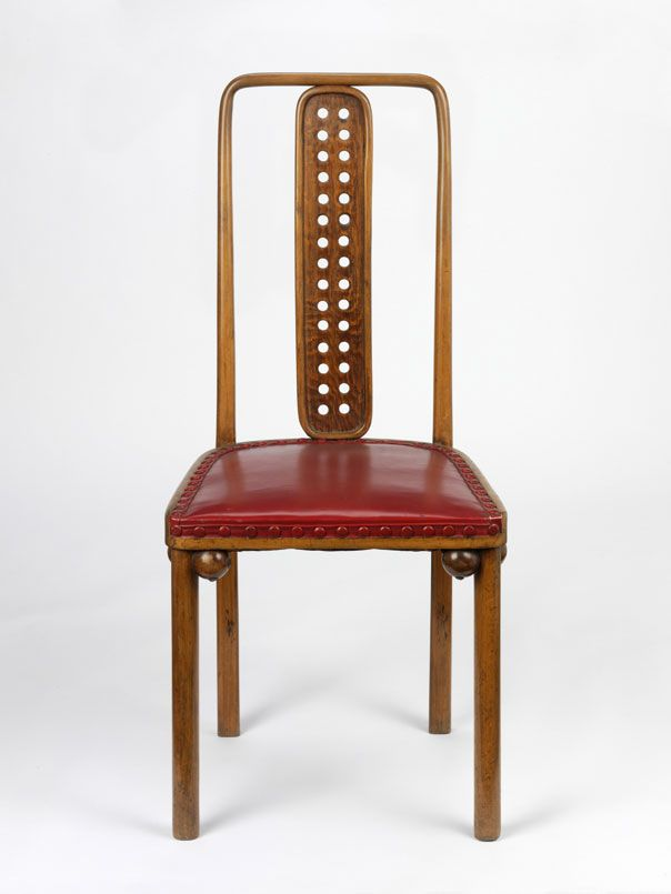 Josef Hoffmann, Sanatorium de Purkersdorf, chaise en collaboration avec Koloman Moser, 1904. #chaise #bois #art #nouveau