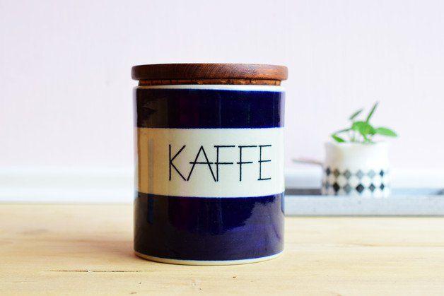 Retro Kaffeedose aus Keramik mit Holzdeckel / vintage ceramic can for coffee, home decor kitchen by Vintage Glück via DaWanda.com