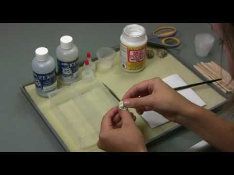 Watch this informative video to learn how to use ICE Resin to create layered pieces that display your unique personality. Whether you are creating a necklace or embellishing a scrapbook page, ICE Resin will help you add strength and color to your designs.    http://www.artbeads.com/ice-01.html?cmp=smyt