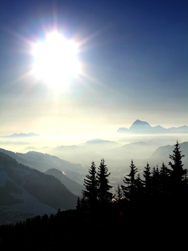 Joli spectacle, nature & soleil.  Nice show, nature & sun.  Réservation/Booking: http://forfaits.megeve.com