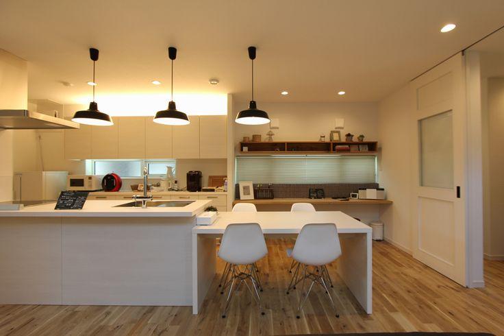 納入事例一覧 | 茶山A棟 ‐blanche‐ 《ブランシェ》について。実際にグラフテクトのキッチン・家具を納入工した事例をご紹介しております。新築・リフォームなどでご検討の際、ぜひご参照ください。