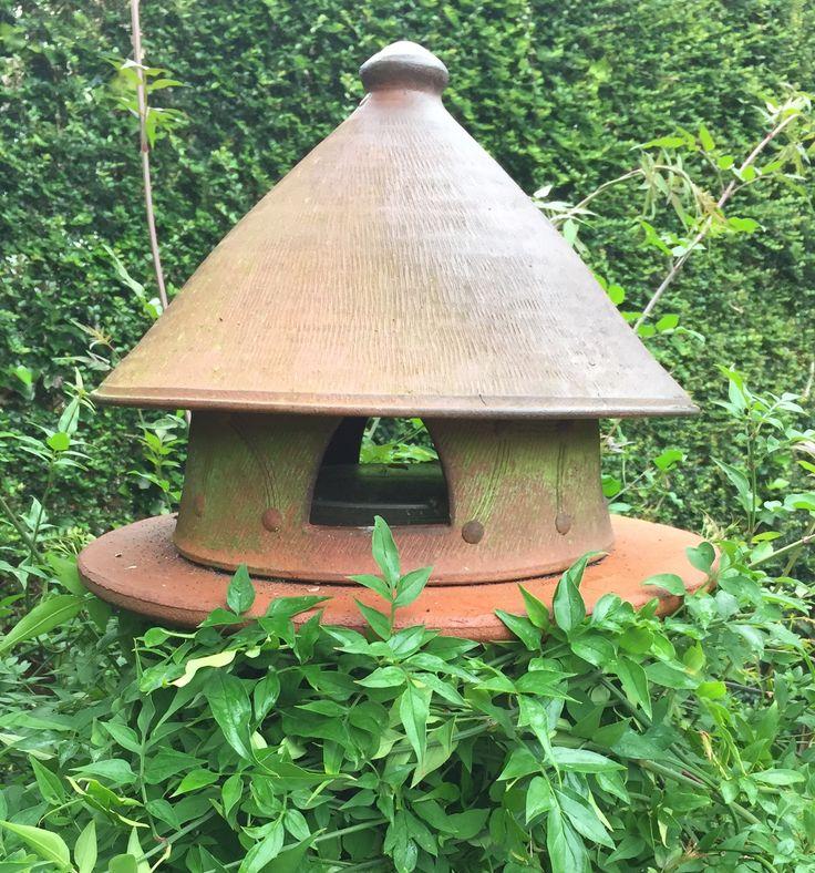Jonathan Garrett large bird feeder