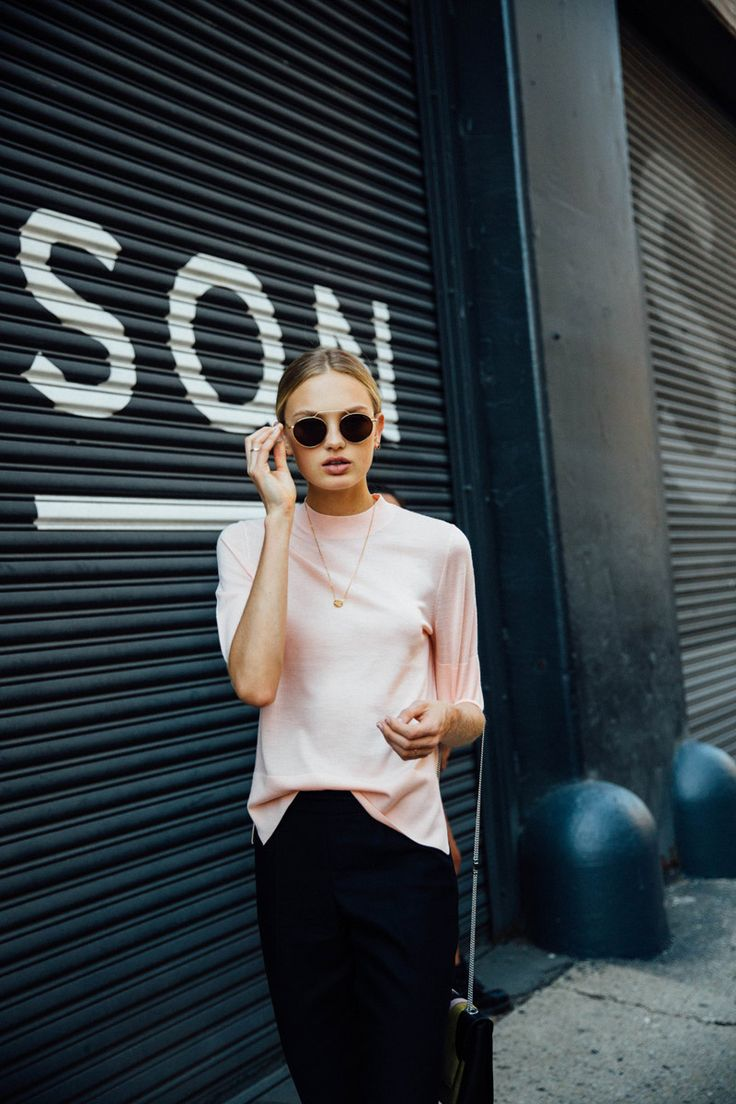 'Models off duty' (vestidas de 'models off duty'), 'influencers' con looks de la temporada que viene, editoras con accesorios imposibles de encontrar... Esto en