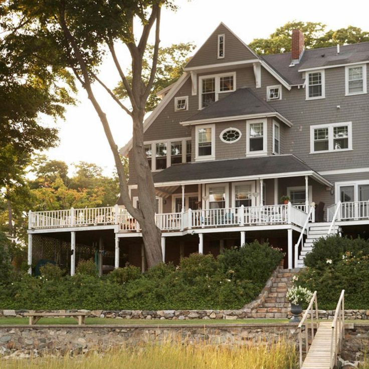Learn how to recognize and appreciate Shingle-style architecture,best known for its use in the seaside resorts of coastal New England
