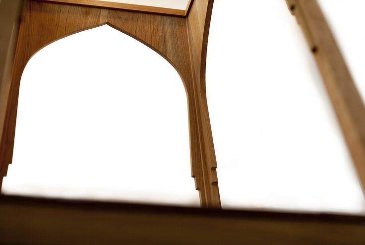 TehReeq writing table
