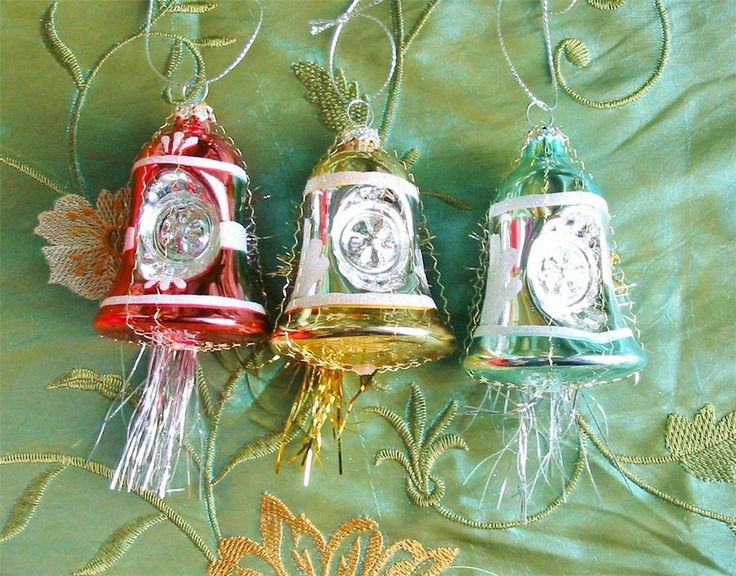 Vintage Style Glass Bell Christmas Indent Ornaments Crinkle Wire Set of 3 New