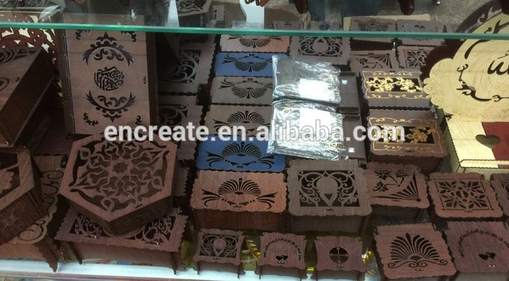 2015 Flowers laser cut wedding wooden favor box wholesale -- MB008