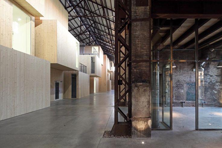 Riuso a Reggio Emilia: il tecnopolo al posto della fabbrica degli aeroplani - 2013 - Andrea Oliva Architetto