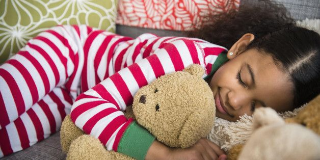 Here's How To Get Your Little Ones Excited For Bedtime During The Holidays