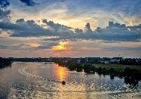 Rzeka, Motorówka, Zdjęcie miasta