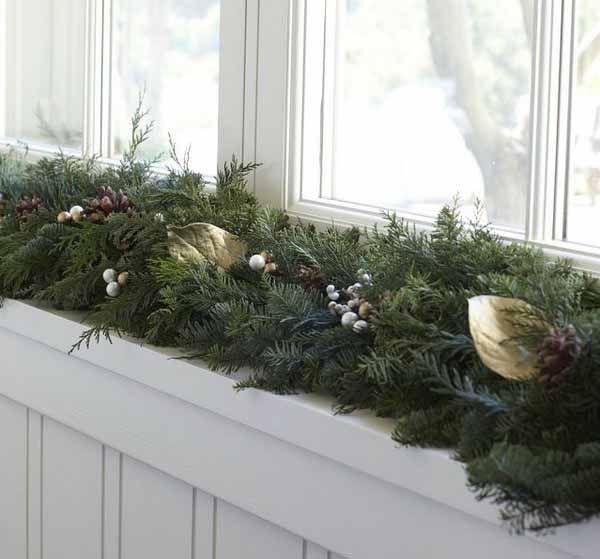 Window Sill Decoration: 20 Beautiful Window Sill Decorating Ideas For Christmas
