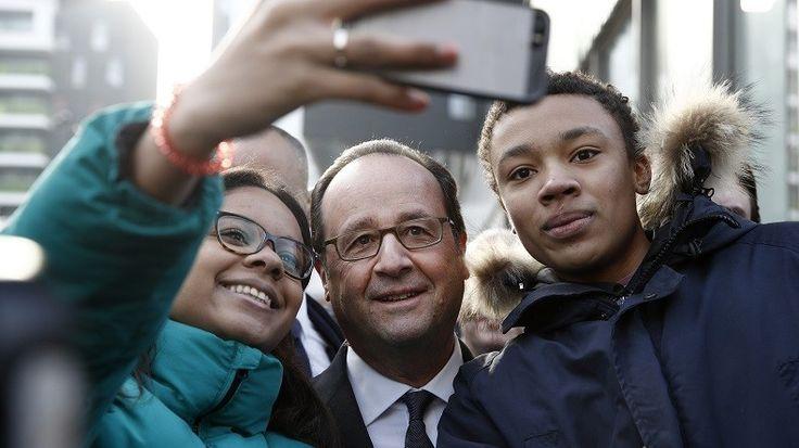 HLM, selfies…Hollande en déplacement à Ivry (94) « pour montrer aussi ce qui marche »