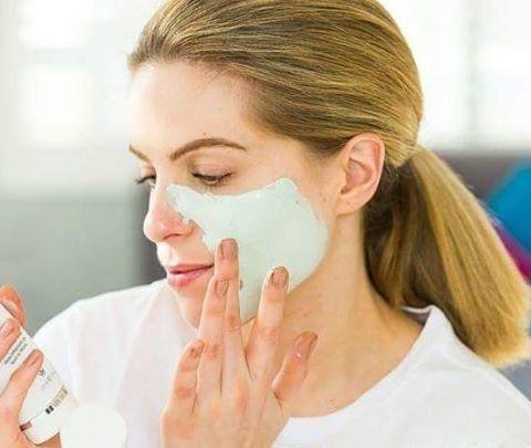 Lehm-Maske, für die wöchentliche Gesichtspflege
