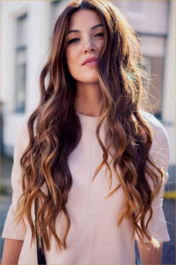 13 Come Asciugare I Capelli Lunghi Form Bei Capelli Salon Covington Ga Hair Styles Short Wavy Hair Curly Hair Styles