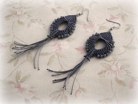 Macrame earrings Aicha Grey version di TheItalianCraftShop su Etsy