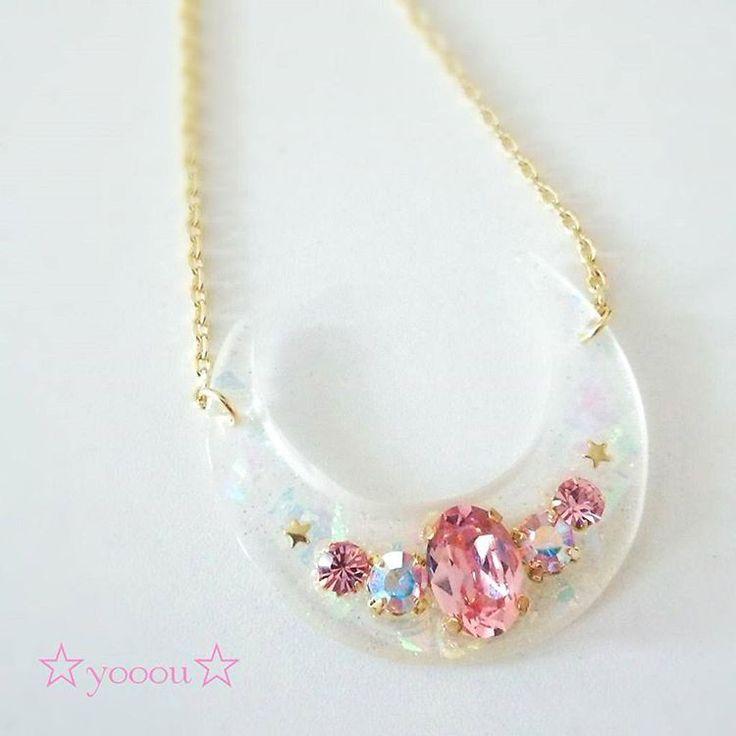 お月さまネックレス♡ホワイト! #white #moon #necklace #handmade #swarovski