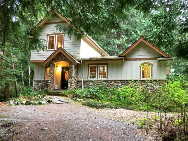 packwood house owner vacation rainier white com byowner st pass helens near scenically mt log by cabins washington rentals located
