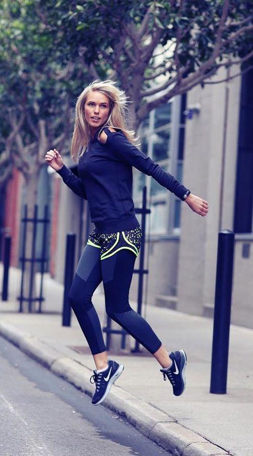 J'adore l'association collant de running ou leggings de course avec un petit short par dessus. #Nike