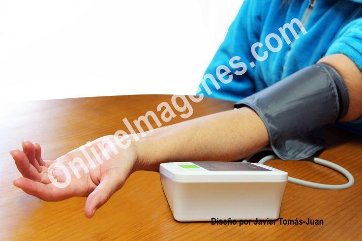 Compra imagen online para proporcionar consejos sobre el control de la tensión arterial mediante estrategias de marketing de contenidos en páginas webs y redes sociales.