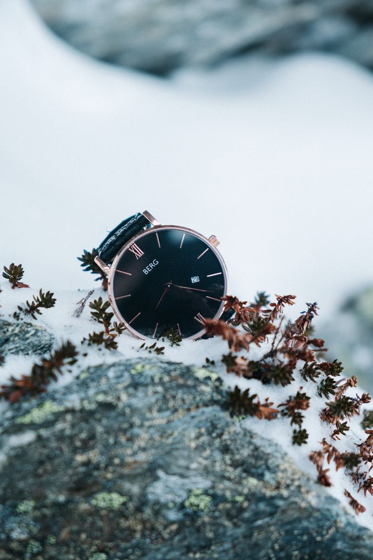 As a true watch from Bergen, it needs to be water resistant, that is why our watches are water resistant down to 5 ATM.