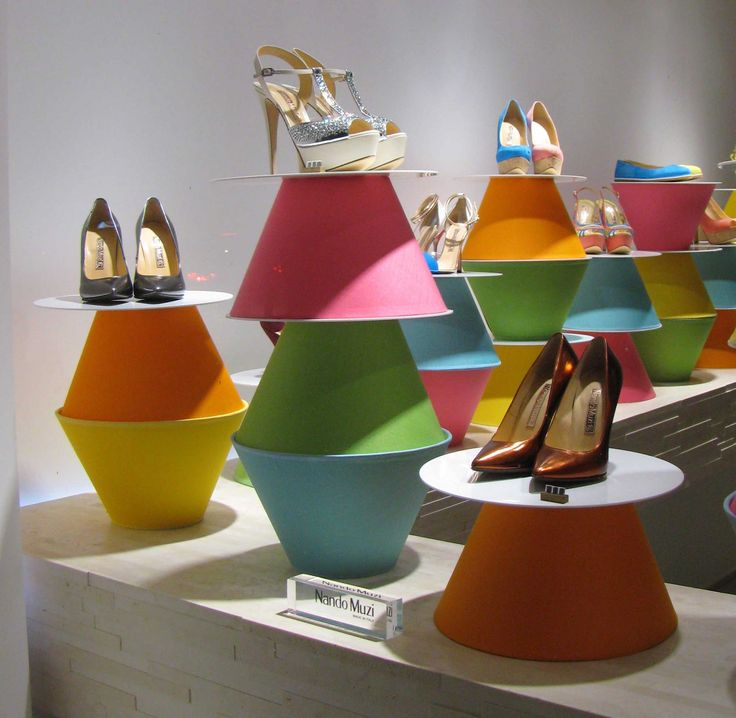 Shoe Displays (Nando Muzi, Milan) #retail #merchandising #display #shoes