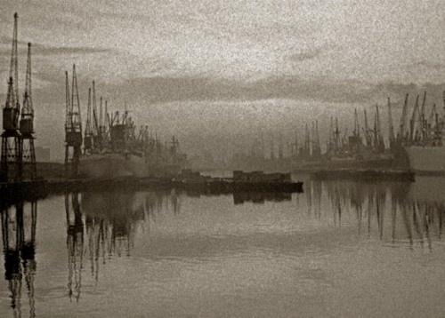 East London docks, 1964 image: JOhn Claridge