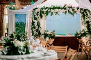 wedding ceremony, wedding decor, sweetheart table decor, wedding ceremony decor, оформление свадьбы, место молодоженов, место пары, оформление свадебного стола