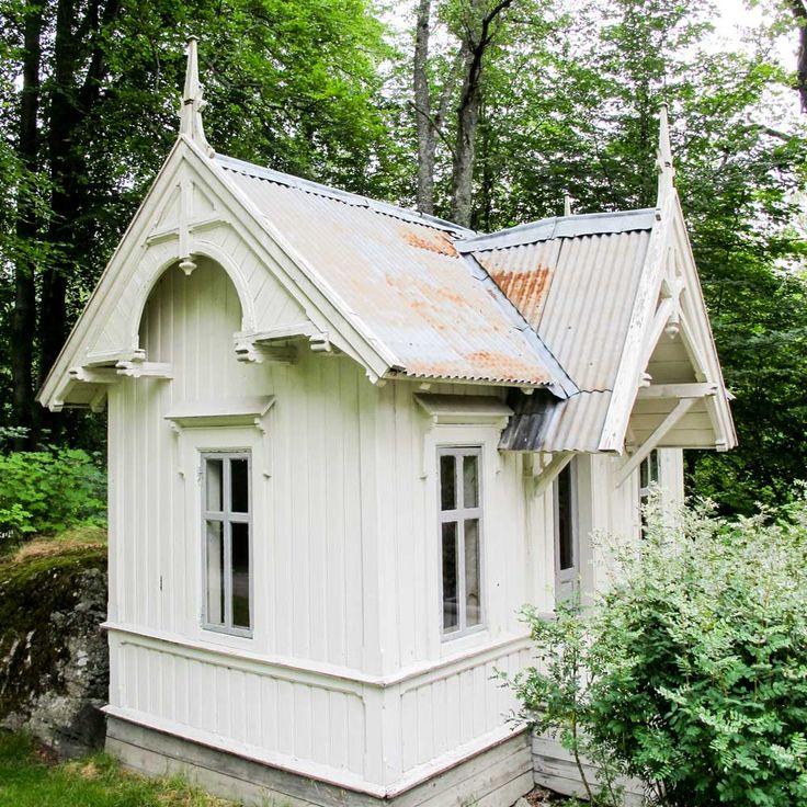 Norwegian playhouse--- dukkastue
