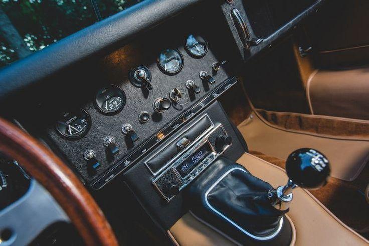 Jaguar-E-Type-Roadster-3-740x494 | por Alfonso Irene