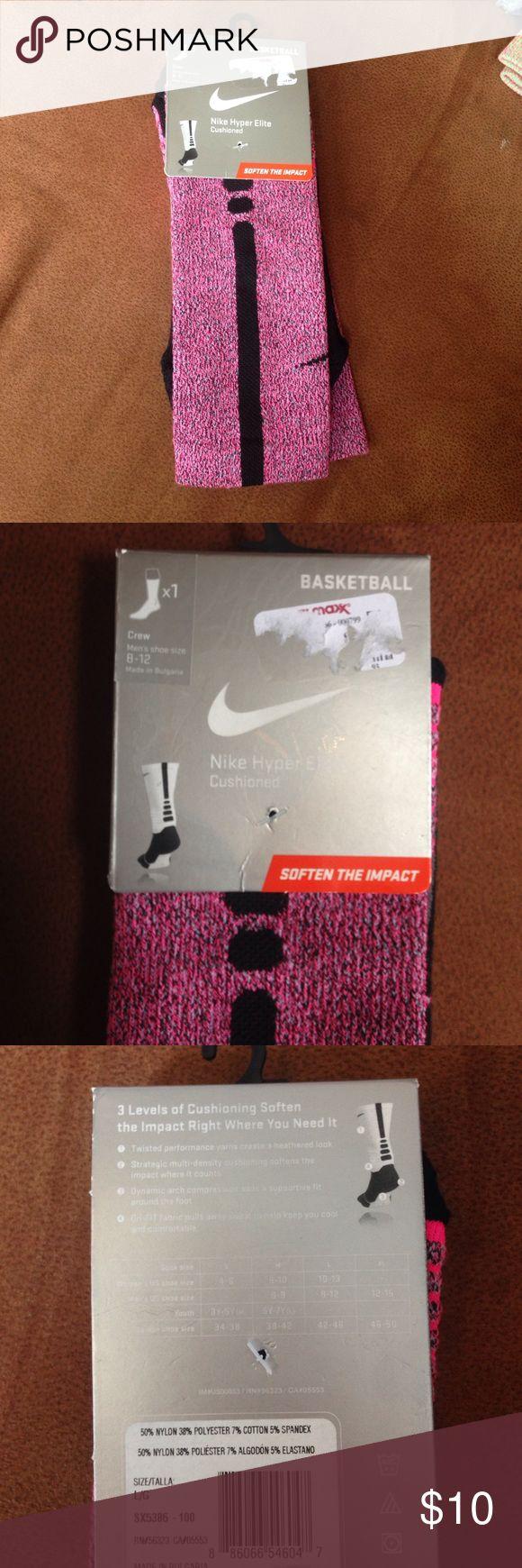 Nike Basketball Socks Can be unisex, size L, men's shoe size 8-12, women's shoe size 10-13 Nike Accessories Hosiery & Socks