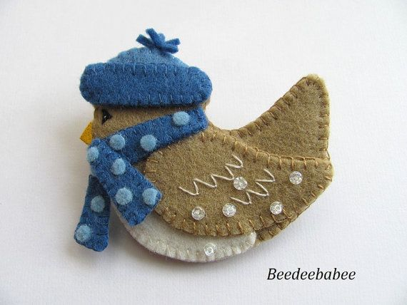 Felt Bird Pin / Felt Bird Brooch by Beedeebabee on Etsy