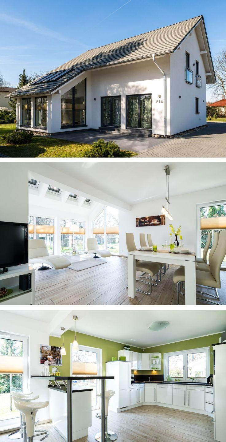 Modernes Satteldach Haus mit Wintergarten Anbau & Innen Einrichtung modern, Küche offen – Einfamilienhaus bauen Ideen Fertighaus SH 160 DREMPEL von S…