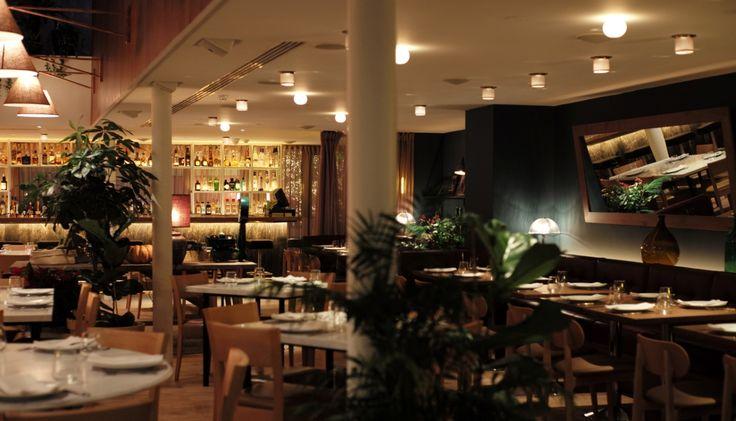 Η εντυπωσιακή μεταμόρφωση του εστιατορίου του Semiramis, στην Κηφισιά, γίνεται talk of the town στα βόρεια χάρη στην αξιόλογη ιταλική κουζίνα του, τη ζεστή, φιλόξενη ατμόσφαιρα και την ωραία μπάρα..