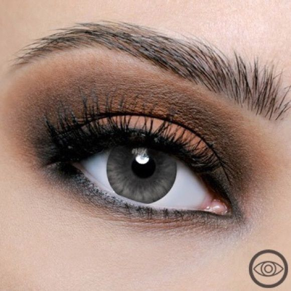 IM LOOKING FOR DESIO GRAY IN DARKER ASAP!!! I can buy for $25 Makeup False Eyelashes