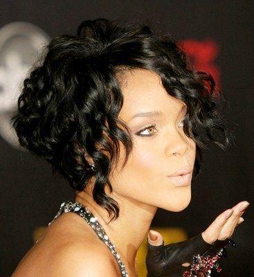 opciones de cortes de pelo y peinados para un cabello ondulado rizado o con rulos