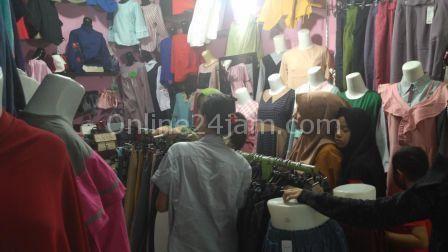 Jelang Lebaran, Bisnis Pakaian Laris Manis di Sidrap