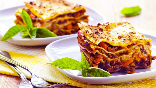 Te asteptam cu o reteta de Lasagna originala, preparata dupa o reteta originala din nordul Italiei.