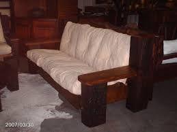 Resultado de imagem para sofá rústico