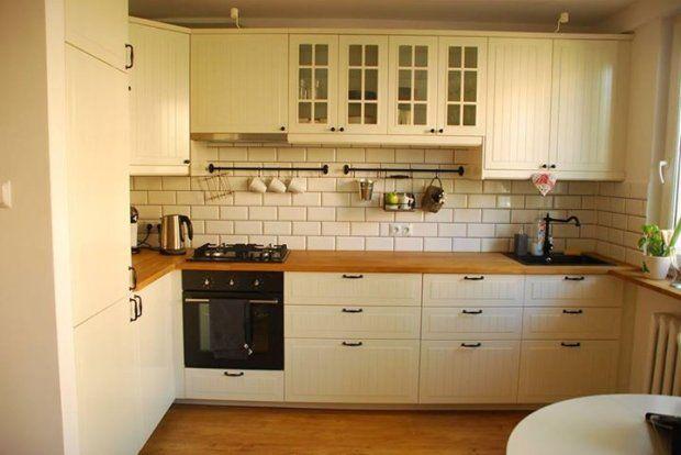 Stylowa kuchnia w bloku Duża liczba szafek i szuflad   -> Kuchnia Retro Jasna