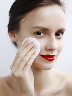 Skincare is one of those things that most people don't start thinking about until it's too late. You know what I'm talking about–if you get a pimple, you'll put some spot cream on it, or wash your face a little bit more, and if you get a sunburn, you'll put some aloe vera on it. … Read More
